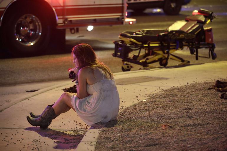 Un homme de 64 ans a ouvert le feu dans un festival à Las Vegas dimanche 1er octobre 2017, tuant au moins 50 personnes