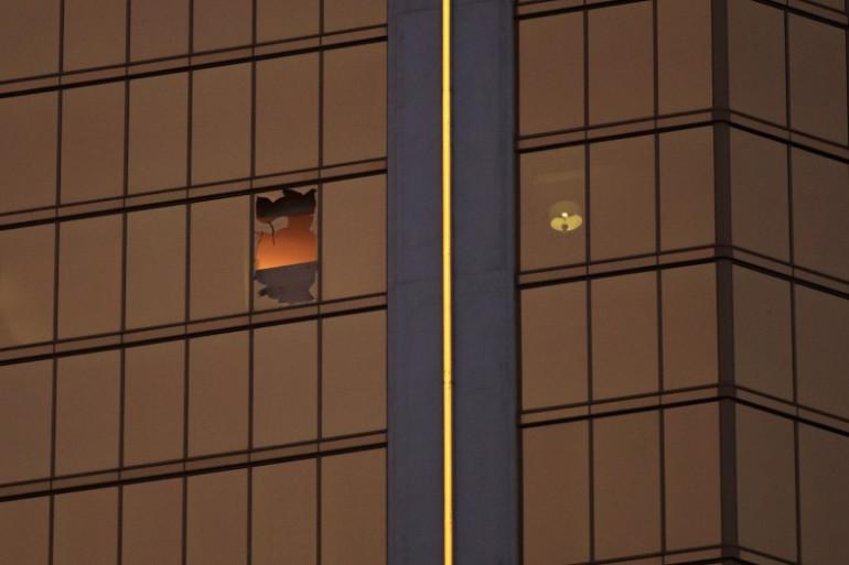 Une vue de l'hôtel de Las Vegas d'où Stephen Paddock a tué 58 personnes, le 1er octobre 2017.