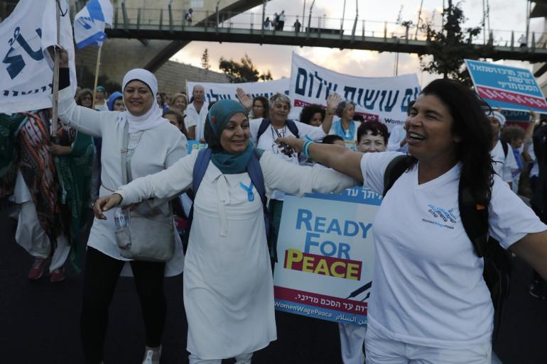 """Des militantes du mouvement """"Women Wage Peace"""", le dimanche 8 octobre à Jérusalem"""
