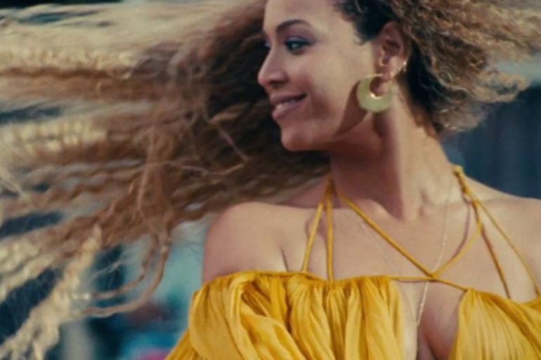 """Beyoncé Knowles dans le clip """"Hold Up"""""""