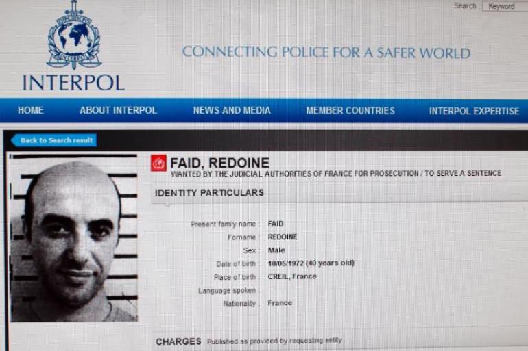 Reproduction du site internet d'Interpol réalisée le 15 avril 2013 montrant le mandat d'arrêt international pour Redoine Faïd