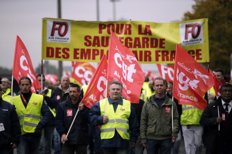 Les syndicats et la patronat sont reçus à l'Élysée à partir de jeudi 12 octobre pour discuter des réformes de l'apprentissage, de la formation professionnelle et de l'assurance chômage.
