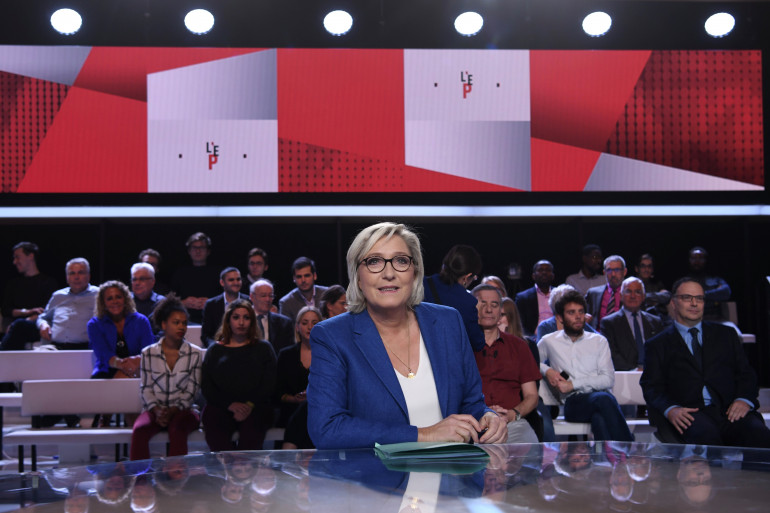 """Marine Le Pen, invitée de """"L'Émission Politique"""" de France 2, le 19 octobre 2017"""