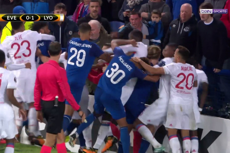 Bagarre entre les joueurs de l'OL et Everton, le 19 octobre