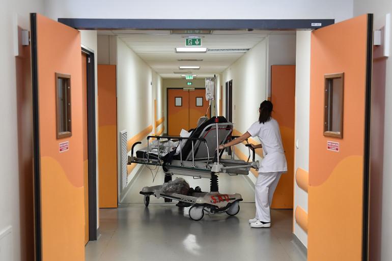 Une infirmière aux urgences de Marseille.