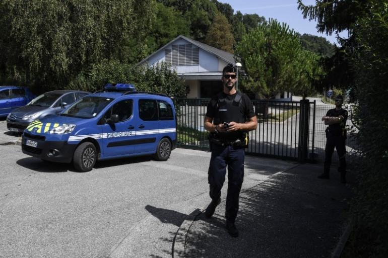 Les gendarmes devant le lieu de disparition de Maëlys à Pont-de-Beauvoisin