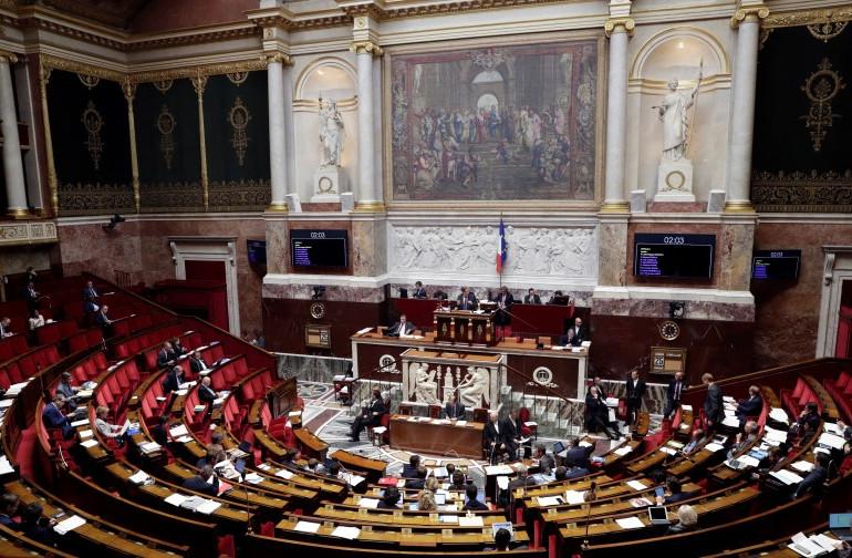 Les parlementaires français participant à un débat sur le plan de financement de la sécurité sociale 2018 à l'Assemblée nationale française à Paris le 25 octobre 2017.