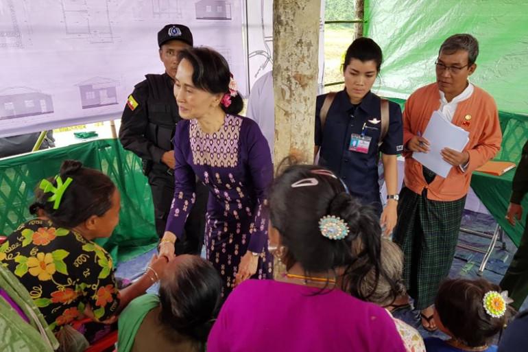 La dirigeante du Myanmar, Aung San Suu Kyi, est arrivée pour la première fois dans l'Etat de Rakhine, dans le nord du pays, le 2 novembre 2017.