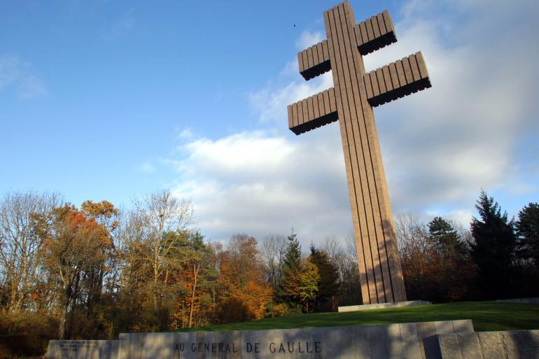 La Croix de Lorraine dressée à Colombey-les-Deux-Eglises en mémoire de de Gaulle