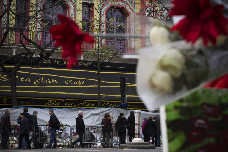 La devanture du Bataclan où 89 personnes ont été tuées lors de la prise d'otages le 13 novembre 2015