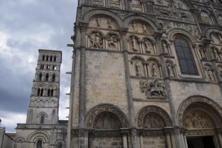 La cathédrale d'Angoulême (illustration)
