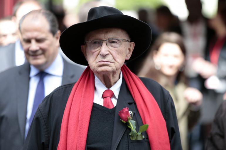 """Un ex-ministre de Mitterand se dit """"humilié"""" après avoir payé une amende"""