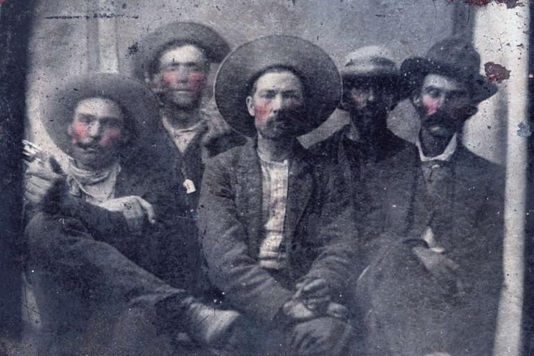 Une photo qui réunit Billy the Kid et Pat Garrett, le criminel et son bourreau, deux amis d'enfance