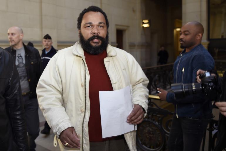 Dieudonné à son arrivée au tribunal, le 12 mars 2015 à Paris (archives).
