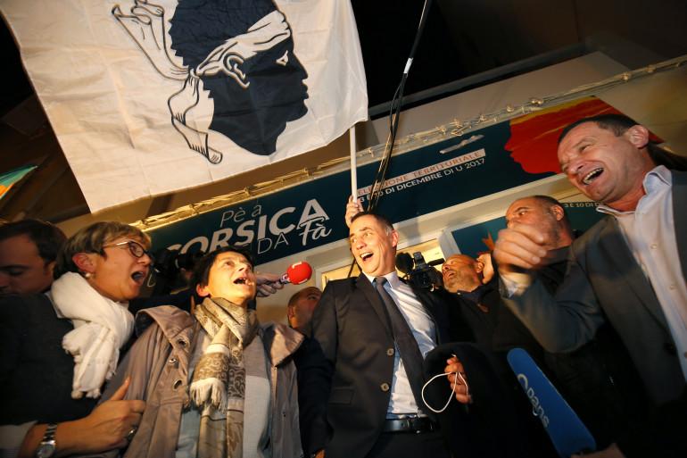 Gilles Simeoni et Jean-Guy Talamoni ont vu leur liste arriver largement en tête du premier tour des élections territoriales en Corse, dimanche 3 décembre.
