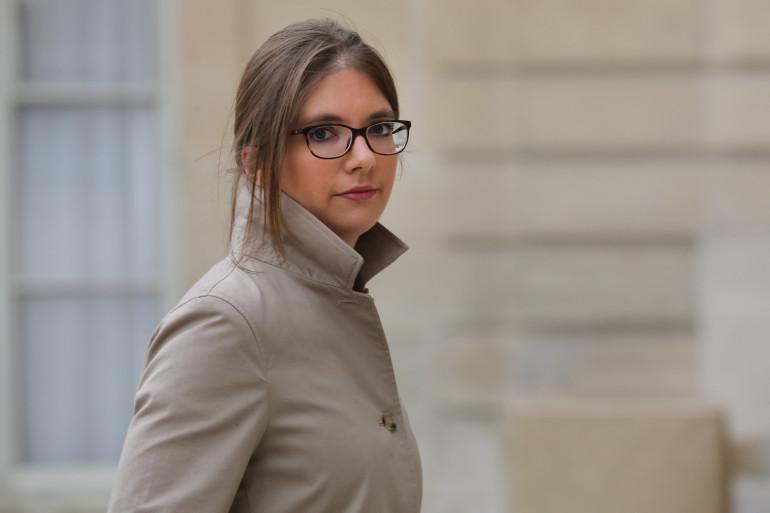 Aurore Bergé, sur le perron de l'Élysée le 25 novembre 2017