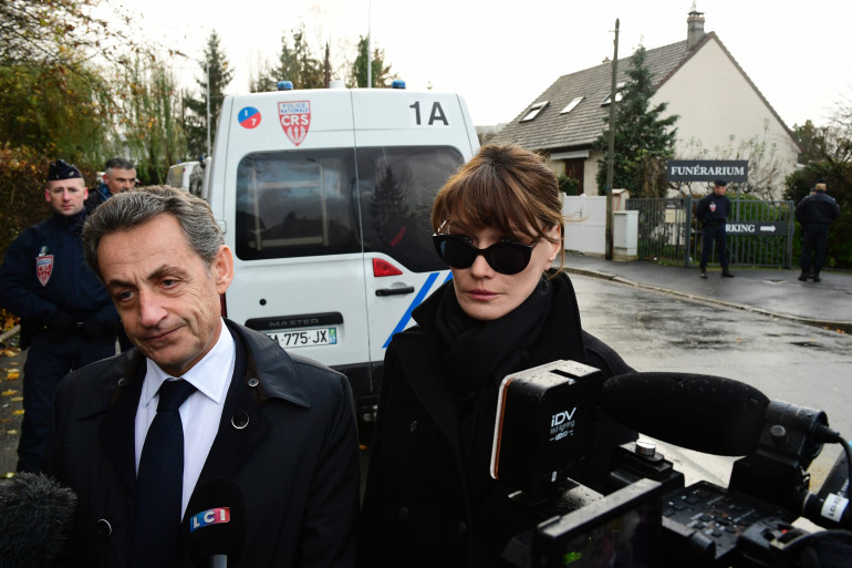 Nicolas Sarkozy et sa femme Carla Bruni-Sarkozy se sont rendus au funérarium du Mont-Valérien.