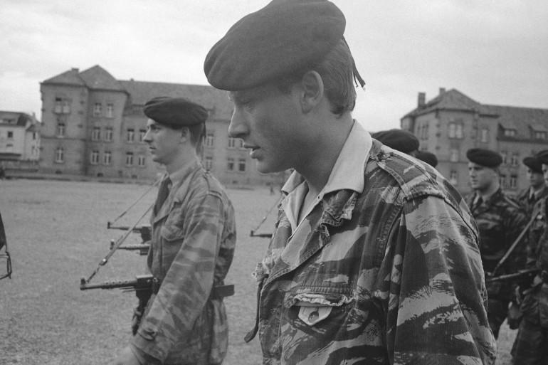 Johnny Hallyday pendant son service militaire à Offenburd en Allemange, en mai 1965