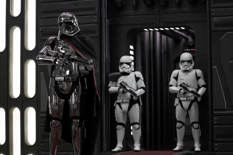 """""""Star Wars 8"""" est sorti dans les salles françaises le mercredi 13 décembre"""