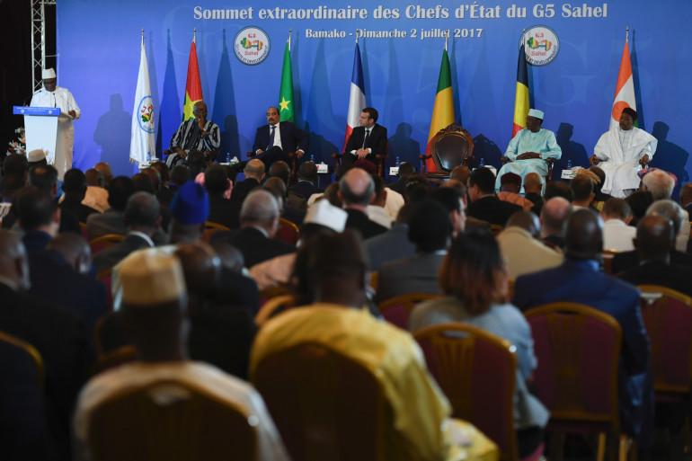 Les chefs d'État du G5 Sahel et Emmanuel Macron durant le sommet extraordinaire à Bamako au Mali, le 2 juillet 2017.