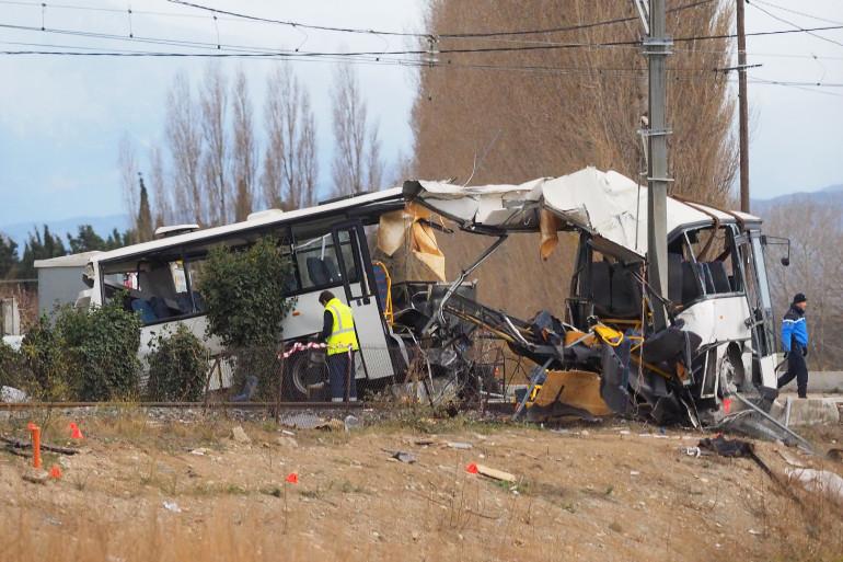 Une collision entre un car scolaire et un TER a fait 6 morts à Millas, le 14 décembre 2017