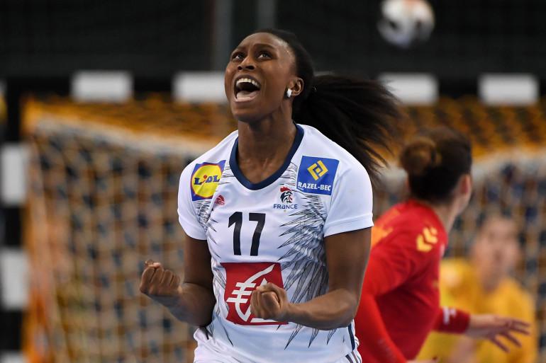 Siraba Dembélé, capitaine de l'équipe de France de handball féminin, le 12 décembre 2017