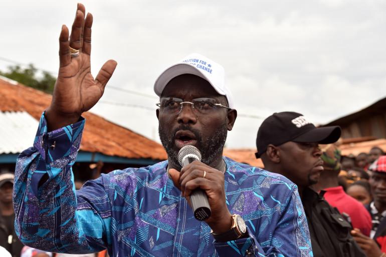 George Weah en campagne pour l'élection présidentielle au Liberia, à Monrovia le 8 octobre 2017