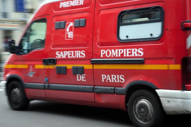 Un Véhicule de secours et d'assistance aux victimes (VSAV) de pompiers