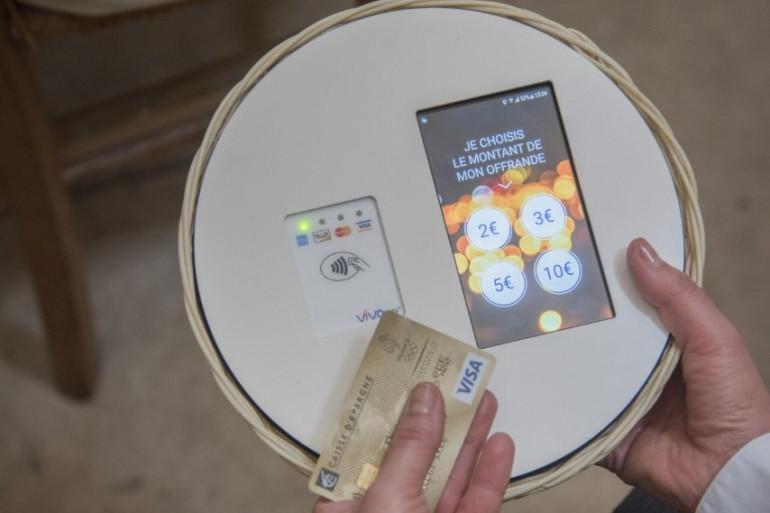 La paroisse Saint-François de Molitor, à Paris, a mis en place un système de quête par carte bancaire