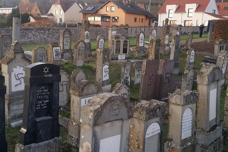 Le cimetière de Westhoffen profané.