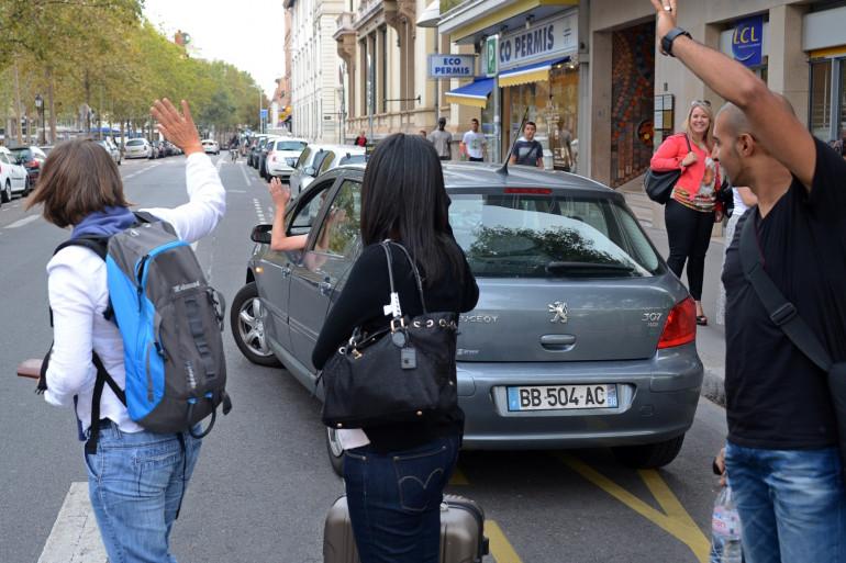 Le dépôt des passagers, après un covoiturage à Lyon (illustration).