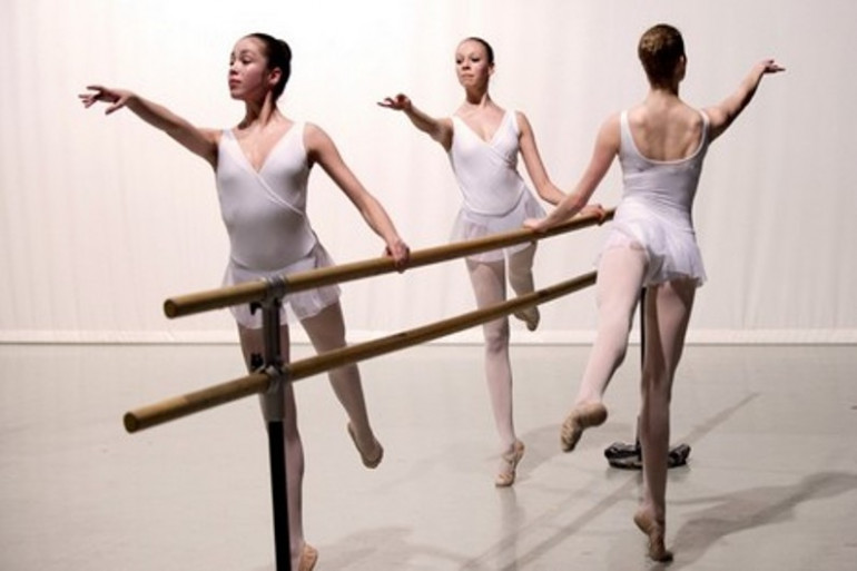 L'école de danse de l'Opéra de Paris a été créée en 1713 sous le règne de Louix XIV