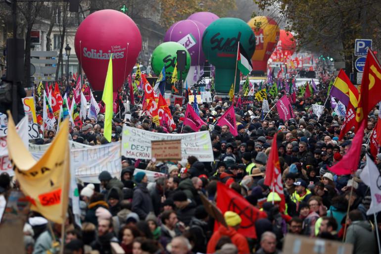 Les grévistes au premier jour de la mobilisation, le jeudi 5 décembre