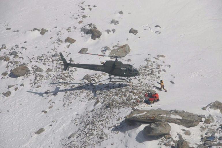 Une équipe de sauvetage a récupéré Elisabeth Revol en hélicoptère dans la montagne de Nanga Parbat (Pakistan), le 28 janvier 2018