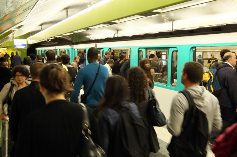 Un métro à Paris le 7 octobre 2010