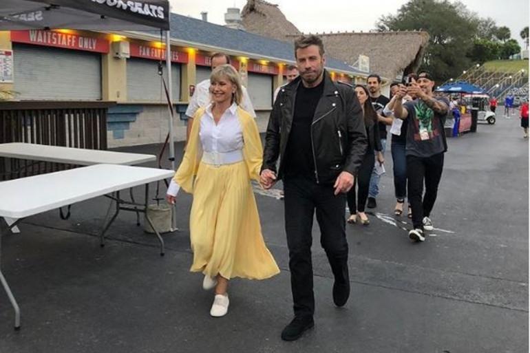 Olivia Newton-John et John Travolta dans leur costume de Sandy et Danny, vendredi 13 décembre en Floride.