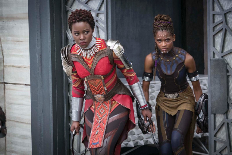 """Lupita Nyong'o et Letitia Wright sont des guerrières dans """"Black Panther"""""""