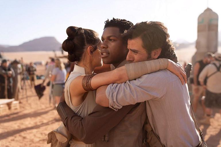 Daisy Ridley (Rey), John Boyega (Finn) et Oscar Isaac (Poe) sur le tournage de l'épisode IX
