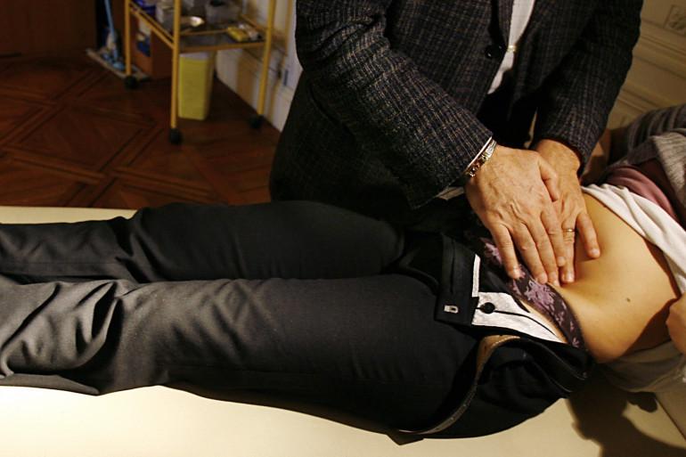 Les maux de ventre sont un symptôme classique de la gastro-entérite (illustration)