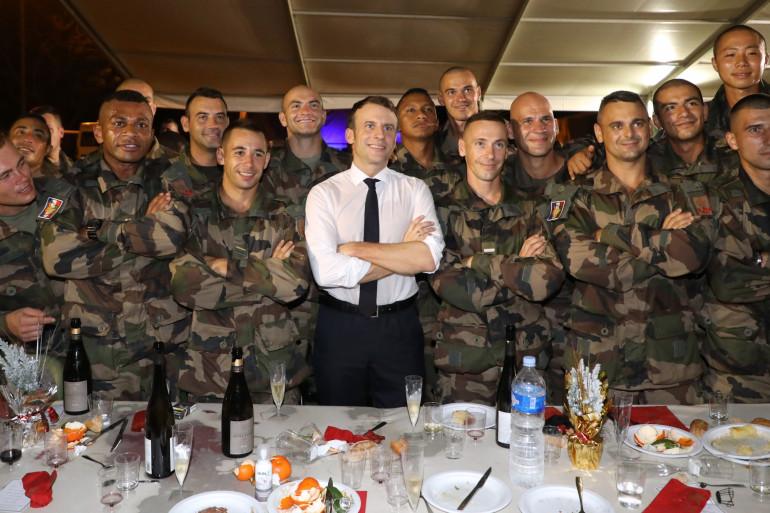 Le président français était venu passer Noël avec les troupes françaises basées en Côte d'Ivoire.