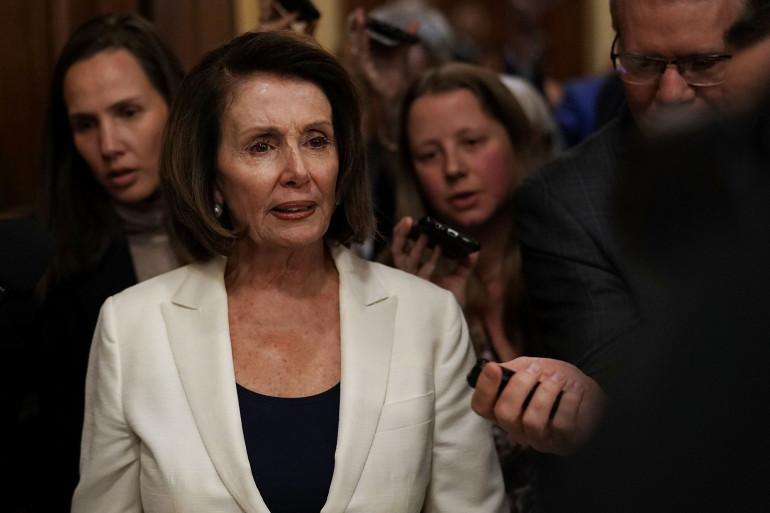 Nancy Pelosi après sa prise de parole record de plus de huit heures devant la Chambre des représentants (États-Unis) le 7 février 2018.