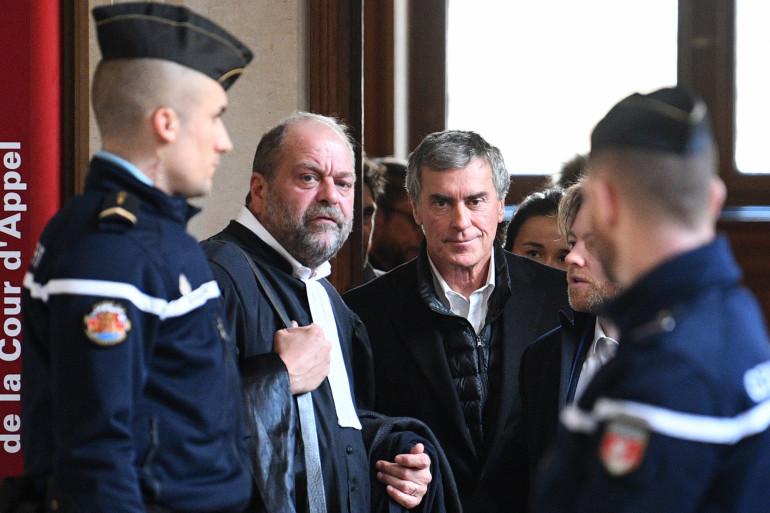 Eric Dupond-Moretti et Jérôme Cahuzac lors de l'ouverture du procès de l'ancien ministre du Budget, le 12 février 2018