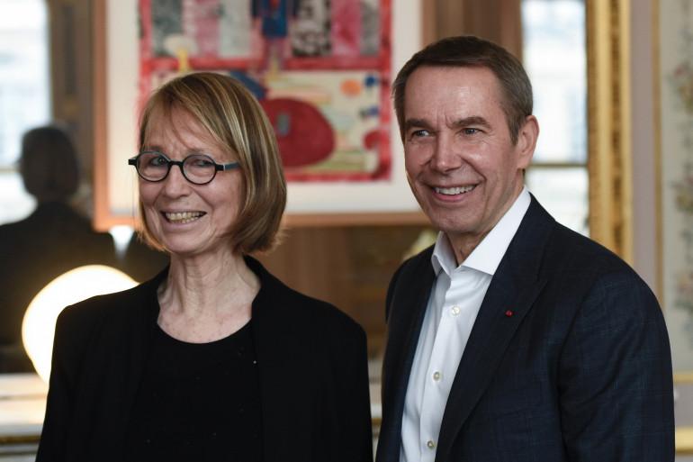 La ministre de la Culture François Nyssen et l'artiste contemporain Jeff Koons, le 30 janvier 2018
