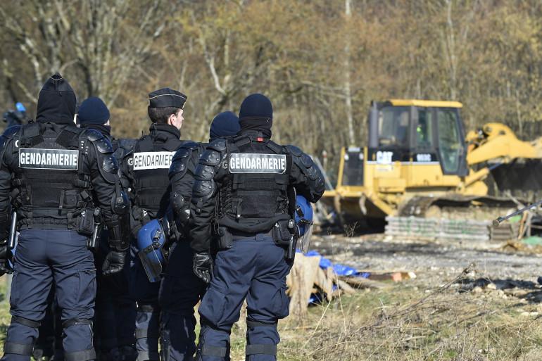 La gendarmerie était mobilisée pour évacuer par surprise les opposants au projet de Bure, dans la Meuse, ce jeudi 22 février.