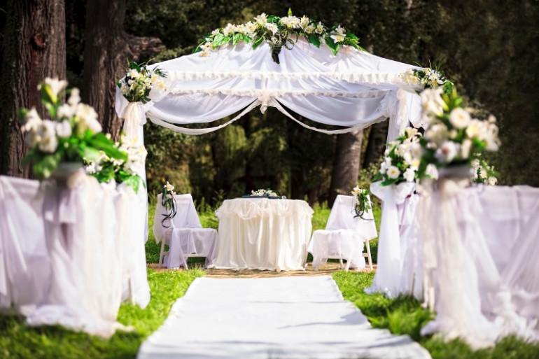 L'autel d'un mariage (illustration)