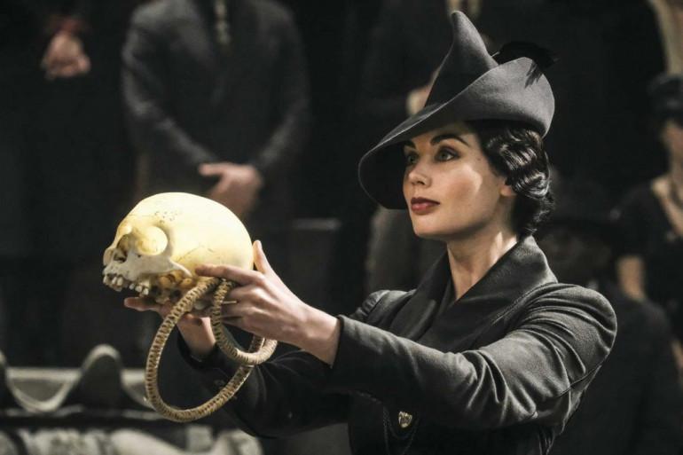 """Vinda Rosier et son narguilé prophétique dans """"Les Crimes de Grindelwald"""""""