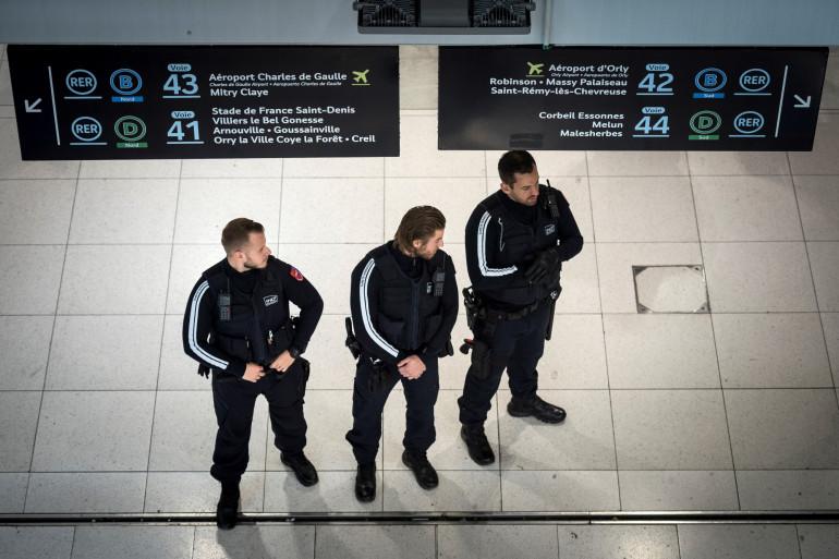 Des contrôleurs de la SNCF à la gare du Nord le 23 octobre 2018.