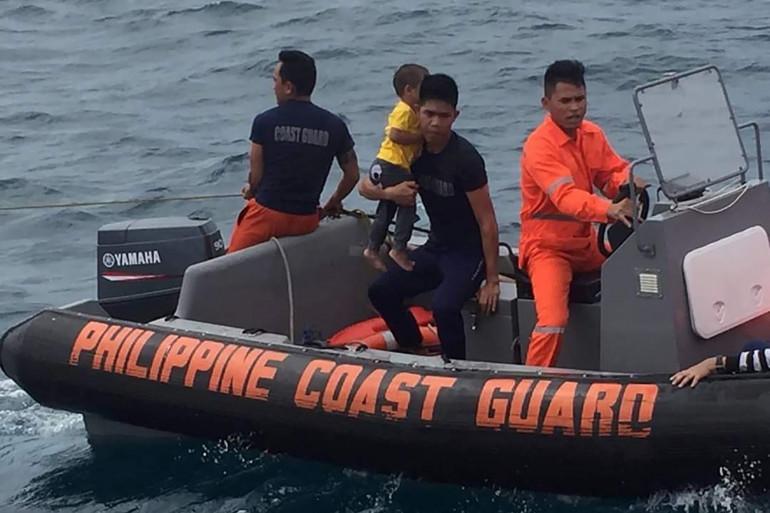 Opérations de sauvetage aux Philippines, le 7 novembre 2019