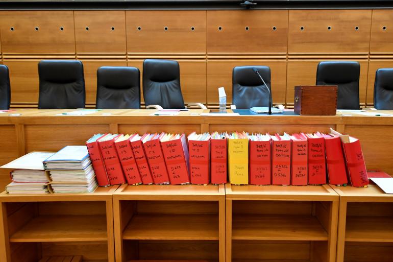 """Les dossiers de l'affaire """"Claude Chossat"""" sont exposés au palais de justice d'Aix-en-Provence"""