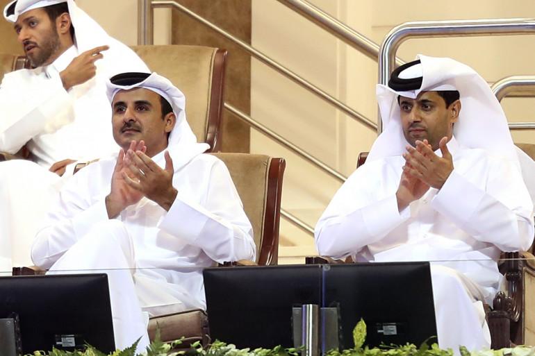 L'émir du Qatar Tamim ben Hamad Al-Thani et le président du PSG Nasser Al-Khelaifi en février 2018 à Doha